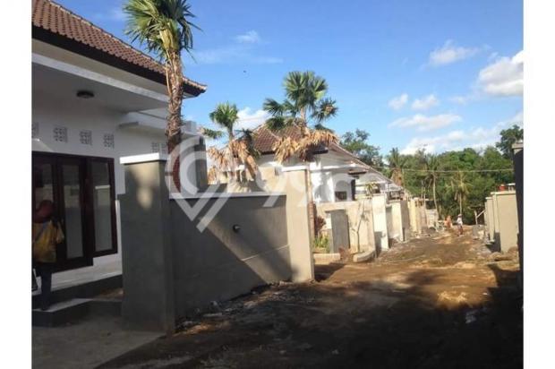 Laing Resindence Perumahan Konsep Villa 6902182
