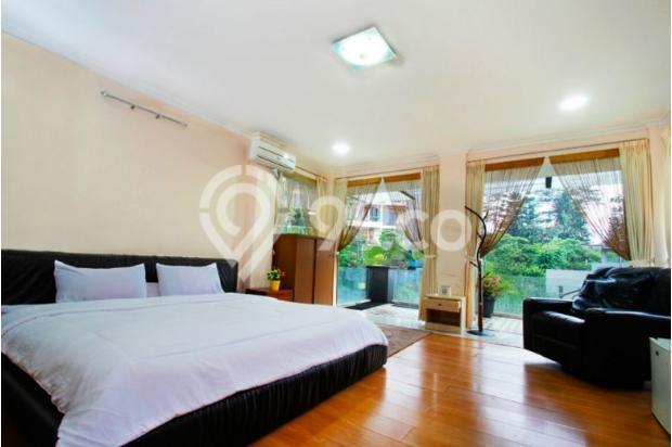 villa  dengan  kolam  renang  5 kamar  di bandung 9561521
