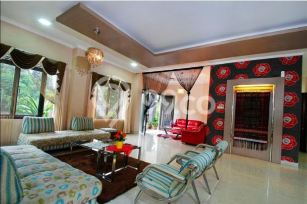 villa  dengan  kolam  renang  5 kamar  di bandung 9561523