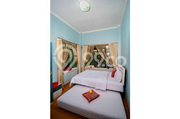 villa  dengan  kolam  renang  5 kamar  di bandung 9561528