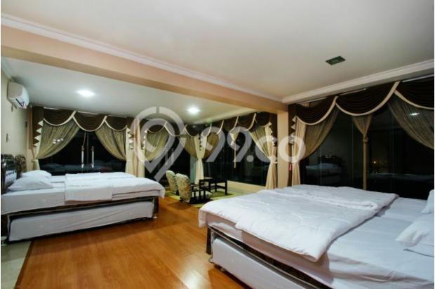 villa  dengan  kolam  renang  5 kamar  di bandung 9561531