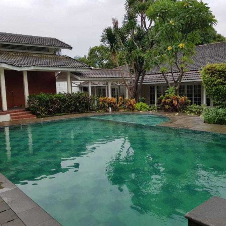 Disewa Rumah Mewah Tanah Luas di Jaya Mandala Kuningan Jakarta