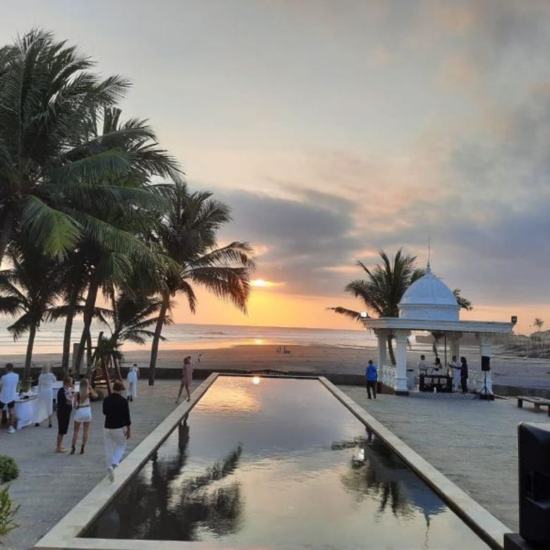Villa Mewah Tepi Pantai  dijual murah di Tabanan Bali