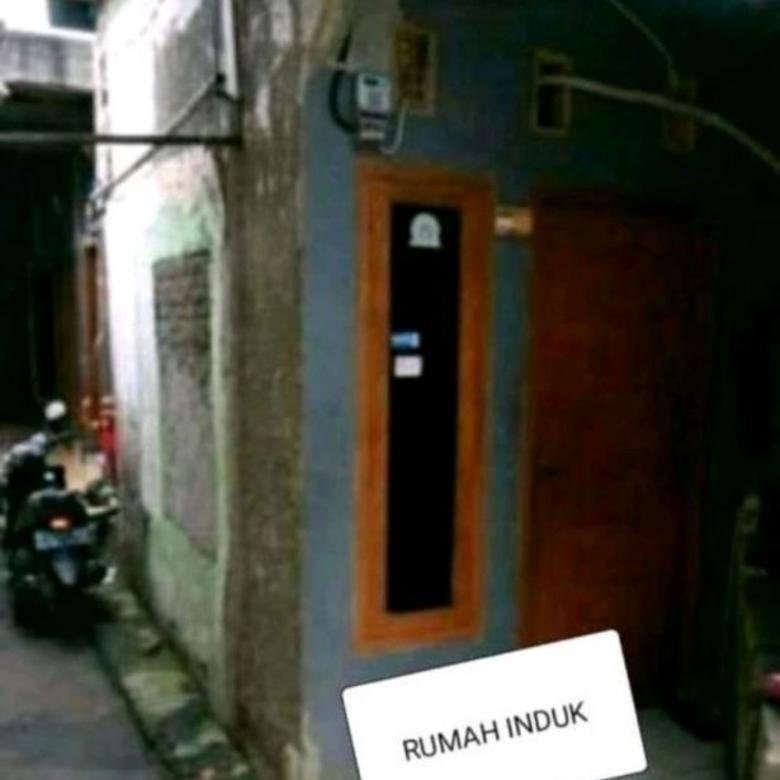 Rumah Induk + 3 Rumah Kontrakan di Menteng, Jakarta Pusat