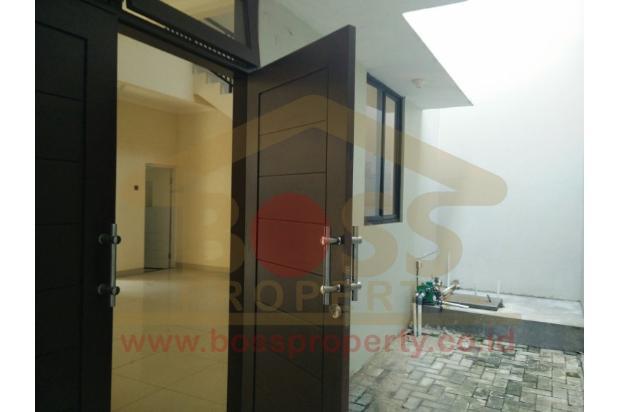 Rumah Baru Keren lebar 8.5 di SUNRISE GARDEN Jakarta Barat  3156217