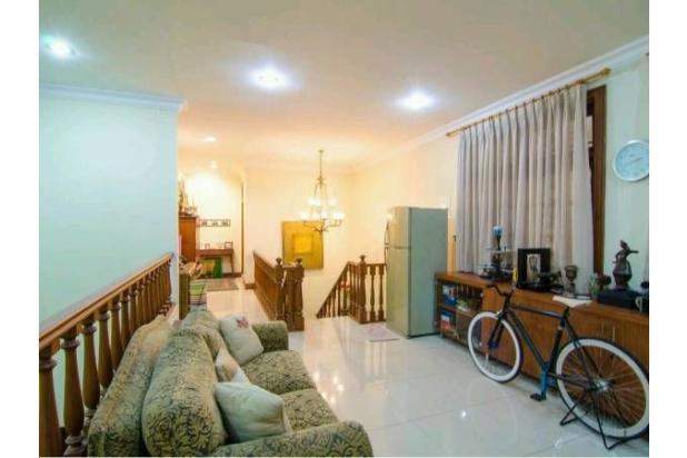 Dijual Rumah Luas Dengan Fasilitas Lengkap, Dan Strategis di Jakarta Selata 18162271