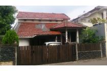 Rumah Cantik dan artistik di Pondok Cabe Cirendeu  jakarta Selatan