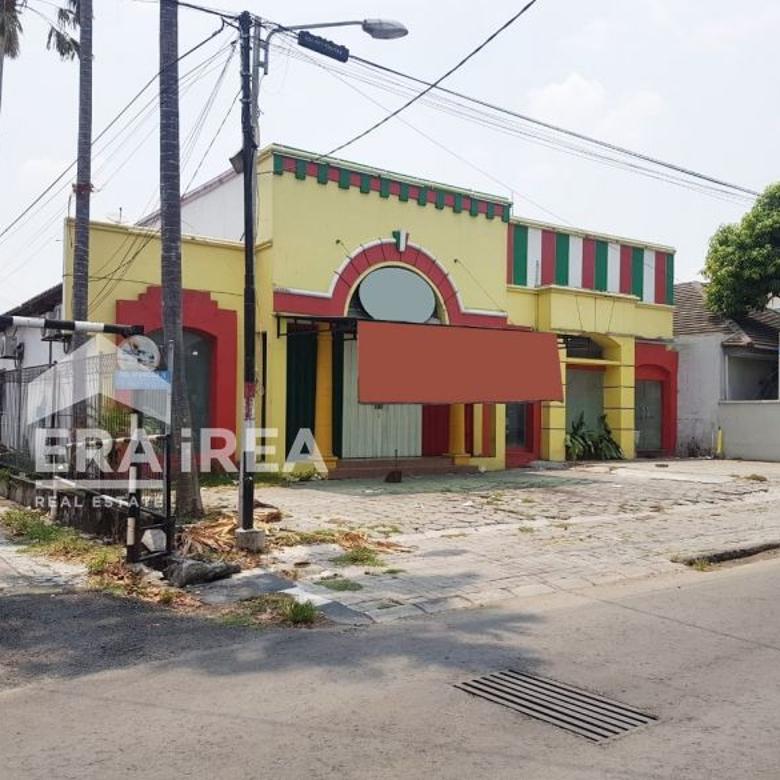 Ruang usaha dijual di Jl Adi Sucipto, Laweyan, Solo