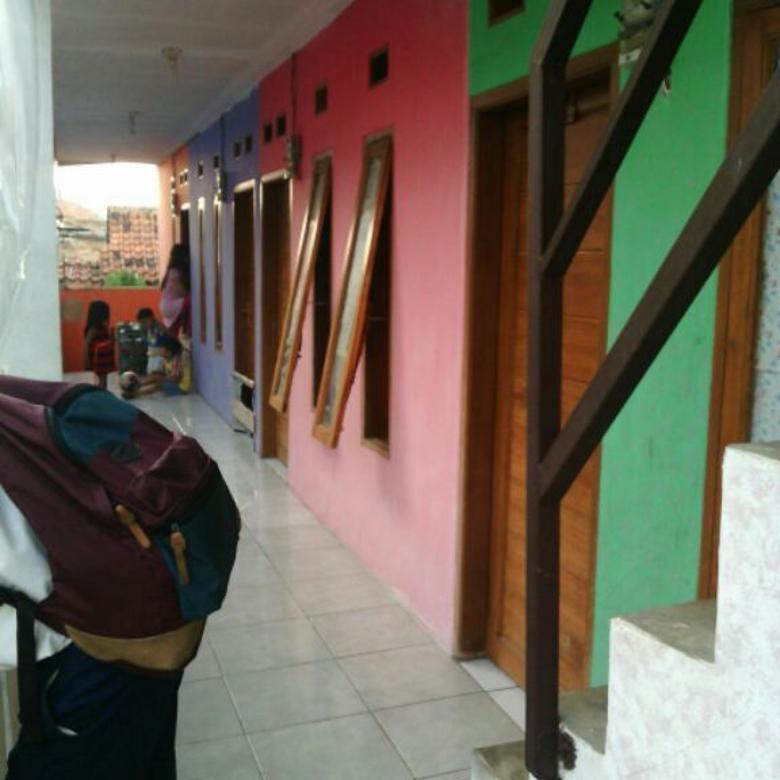 Rumah Kost2an di jual depan pasar atas cimahi harga : 1,3 mily