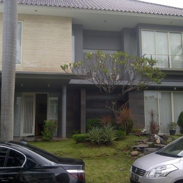 Dijual Rumah Modern Semi Furnished di Villa Bukit Regency Surabaya