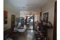 Rumah Benhil Strategis luas 100 m2 tersedia carport 2 mobil..