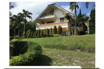 Jual Villa 3 Lantai Strategis di Lembang Bandung