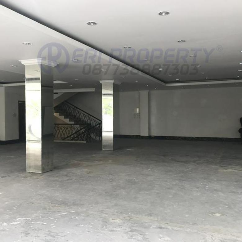 Ruko Bentuk Gedung Hadap Selatan Tebah Raya ROW 16 Zona Komersil Kebayoran Baru Jakarta Selatan