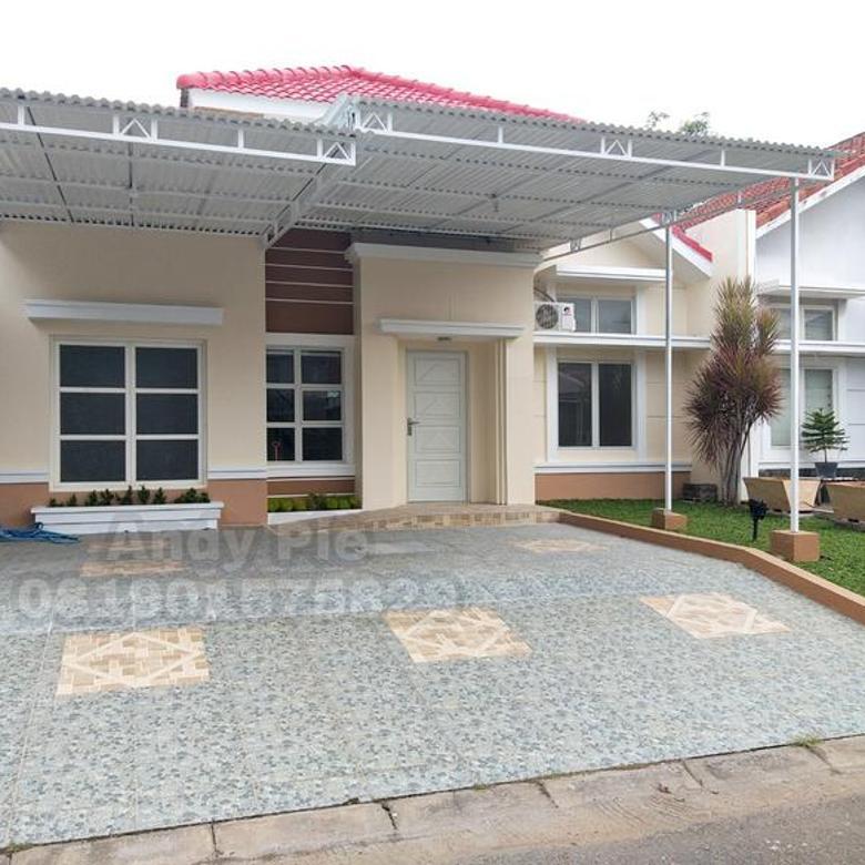 Rumah Bagus baru selesai renovasi, ada tingkat dak dibelakang, siap pakai Perumahan di Graha Padma, Semarang