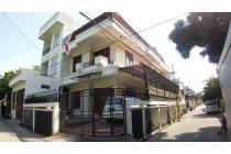 Dijual rumah hoek 2,5 lantai di Sunter Hijau
