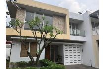 Harga Super Murah (Harga Njop, Rumah Cantik Usia dibawah 5thn Posisi Hook, Jalan Depan Rumah Lebar di Cluster The Olive Townhouse Kalibata, Jakarta Selatan, Sertifikat Hak Milik, Bebas Banjir
