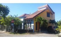 Rumah hook kondisi siap huni & ada gudang di Wiguna Selatan, Surabaya