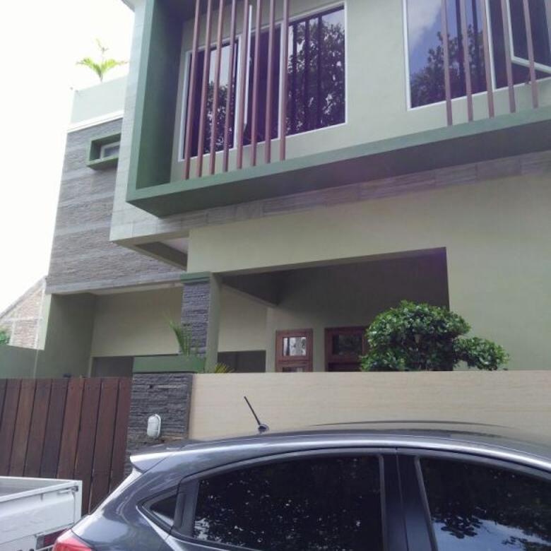 Rumah Baru 2 Lantai di Maguwoharjo Dekat Area Kampus Besar