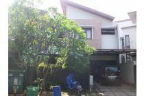 Dijual Rumah, di JL. letnan Sutopo BSD, dekat taman Kota 1, Dekat Al Azhar
