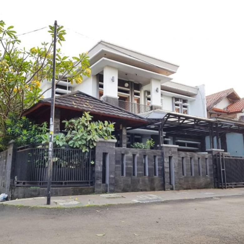 Rumah Mewah Posisi Hoek Lokasi Bukit Cimanggu Bogor