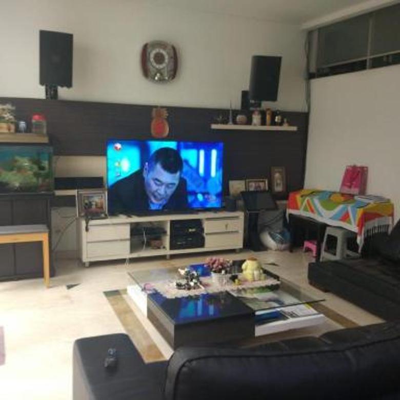 Rumah minimalis 3 lt..BU.. Permata Buana Jakarta