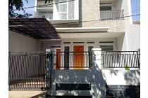 Rumah Baru Dalam Komplek di Dekat Kampus Unas Pejaten, Jakarta Selatan