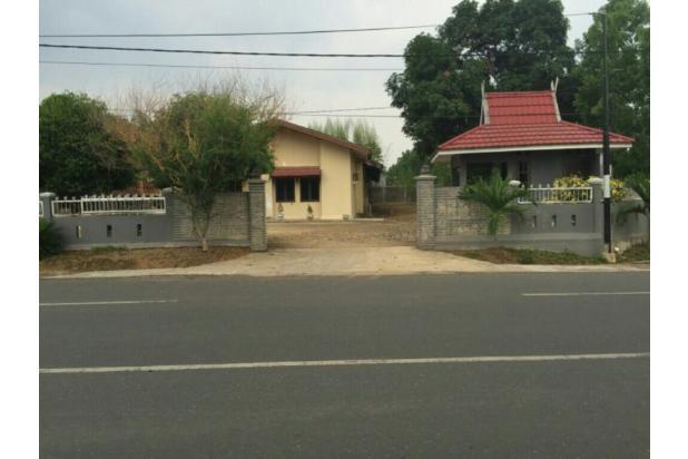 rumah dengan halaman luas di tengah kota banjarbaru, cocok juga untuk usaha