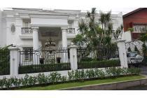 Rumah Cantik dan Strategis di Taman Cilandak Jakarta Selatan