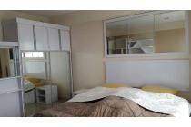 Disewakan apartemen the hive full furnished lantai tengah