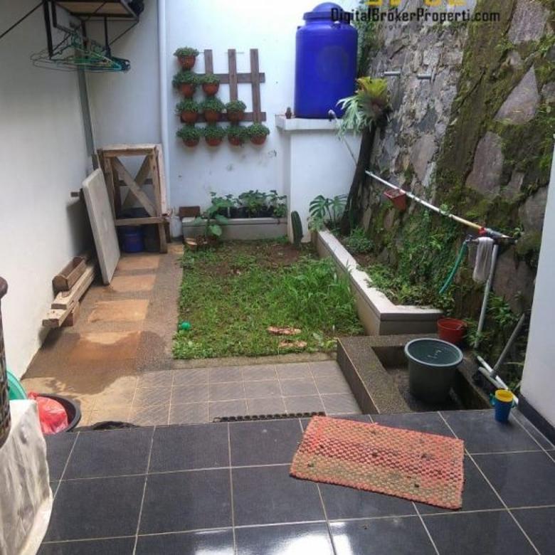 Rumah dalam komplek yang Asri dii Jatihandap Bandung   ACHMADR