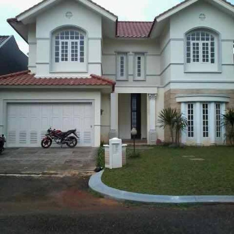 Rumah dekat Living World Alam Sutera, Sutera Riviera. Serpong. Tangerang