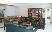 Rumah Cantik Minimalis di Suryalaya