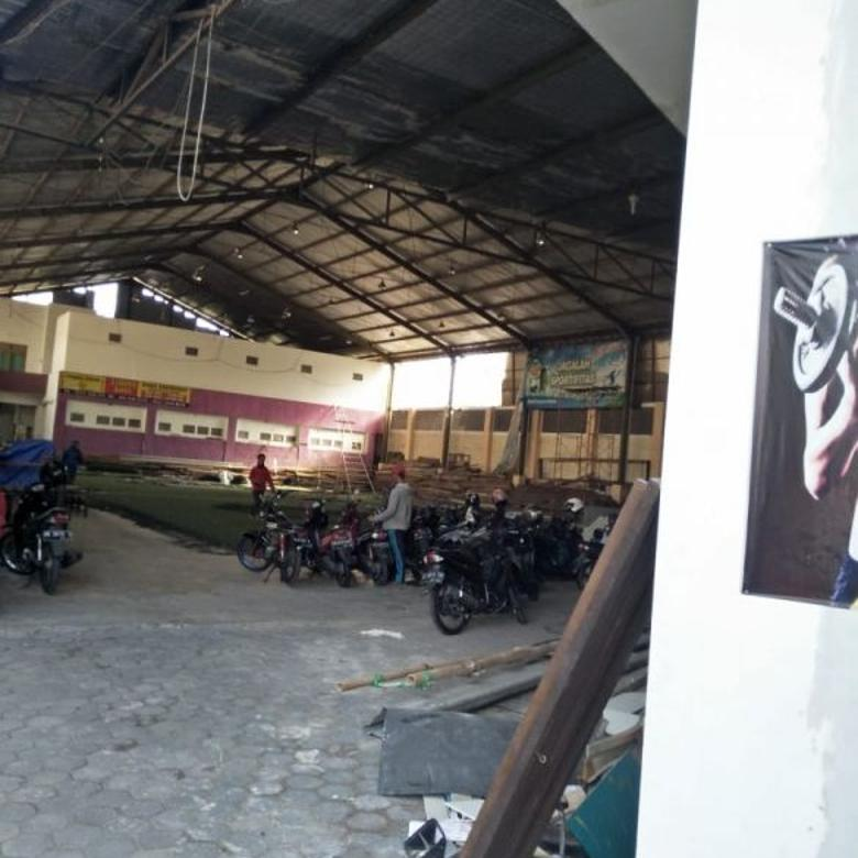 Gudang Murah Dalam Ringroad Cocok Utk Lapangan Futsal Kantor