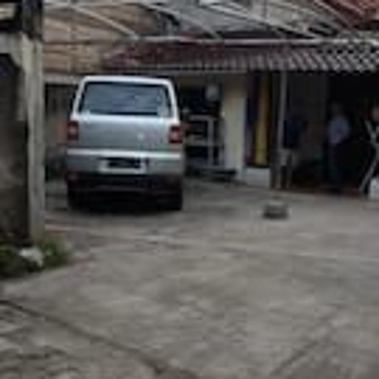 Rumah Second Dengan Lahan Luas Di Tanah Baru Depok