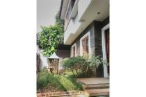 Dijual rumah cantik 2 lantai furnished lokasi bagus di Duren Tiga