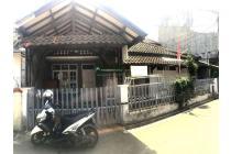 Rumah lama masih terawat daerah Margahayu