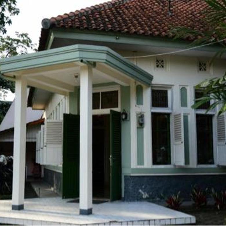 Rumah Klasik di Pusat Kota Jalan Lengkong Bandung