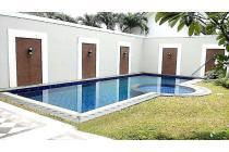 Dijual Rumah Ampera swimming pool lokasi strategis