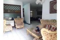 Rumah lokasi strategis dan nyaman  dikomplek Arcamanik Bandung timur