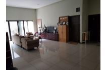 OWNER BU! Rumah second Kendangsari, bangunan baru 2013, lingkungan asri dan