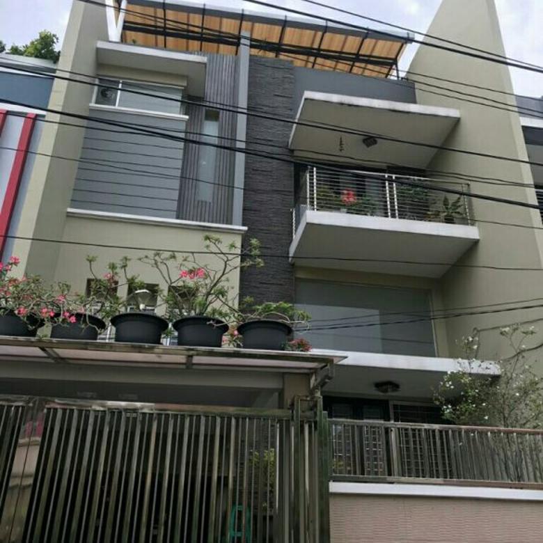 rumah cantik fullfurnish uk 7x15m di komplek kavling polri