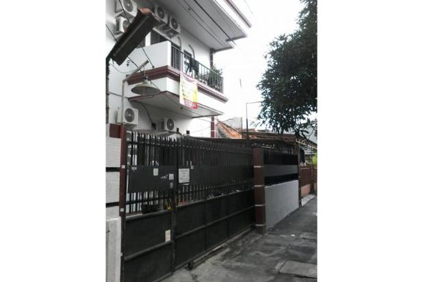 rumah kost2an 22 kamar, 330 m2, 2 1 3 lt. grogol, jakarta barat