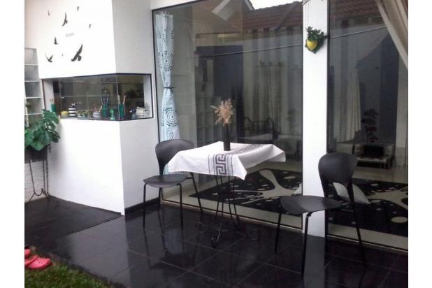 villa cileunyi, bangunan baru. lingkungan jauh dari polusi