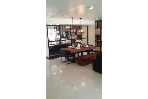Dijual  Rumah FULL FURNISH MEWAH Graha Family Surabaya 12899514