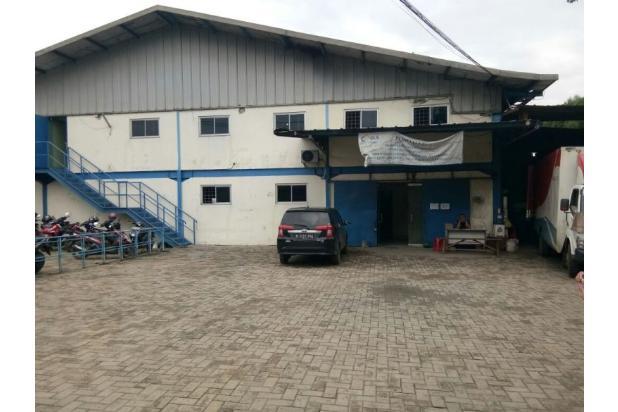 gudang sekalgus pabrik masih operasional di narogong bekasi