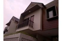 Rumah Dp 0% Di Town House Yang Aman, Bebas Banjir View Danau Ikan Jagakarsa