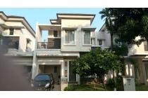 Rumah cantik dan strategis di pondok hijau golf gading serpong Tangerang
