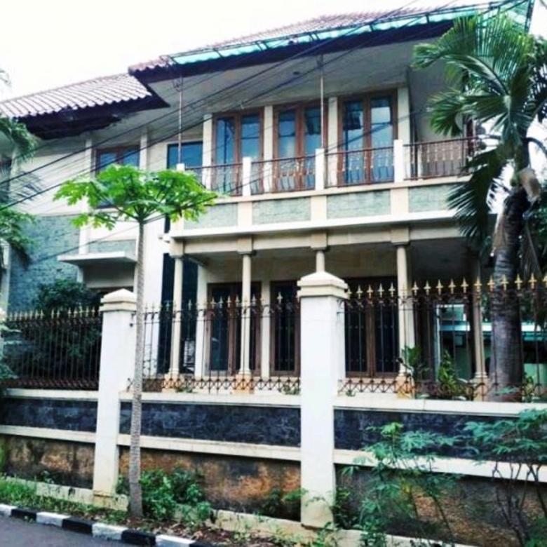 Rumah secondary hook dalam komplek di Billymoon Pondok Kelapa