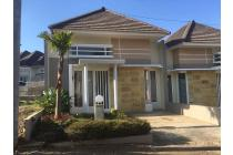 Rumah Borobudur Manyaran Samping Ramai Swalayan