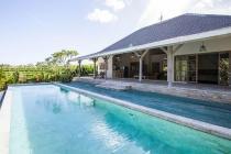 Disewakan Tahunan Villa Dua Kamar di Canggu